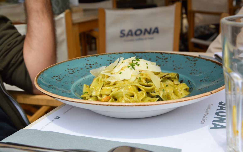 Saona - Pasta con queso parmesano