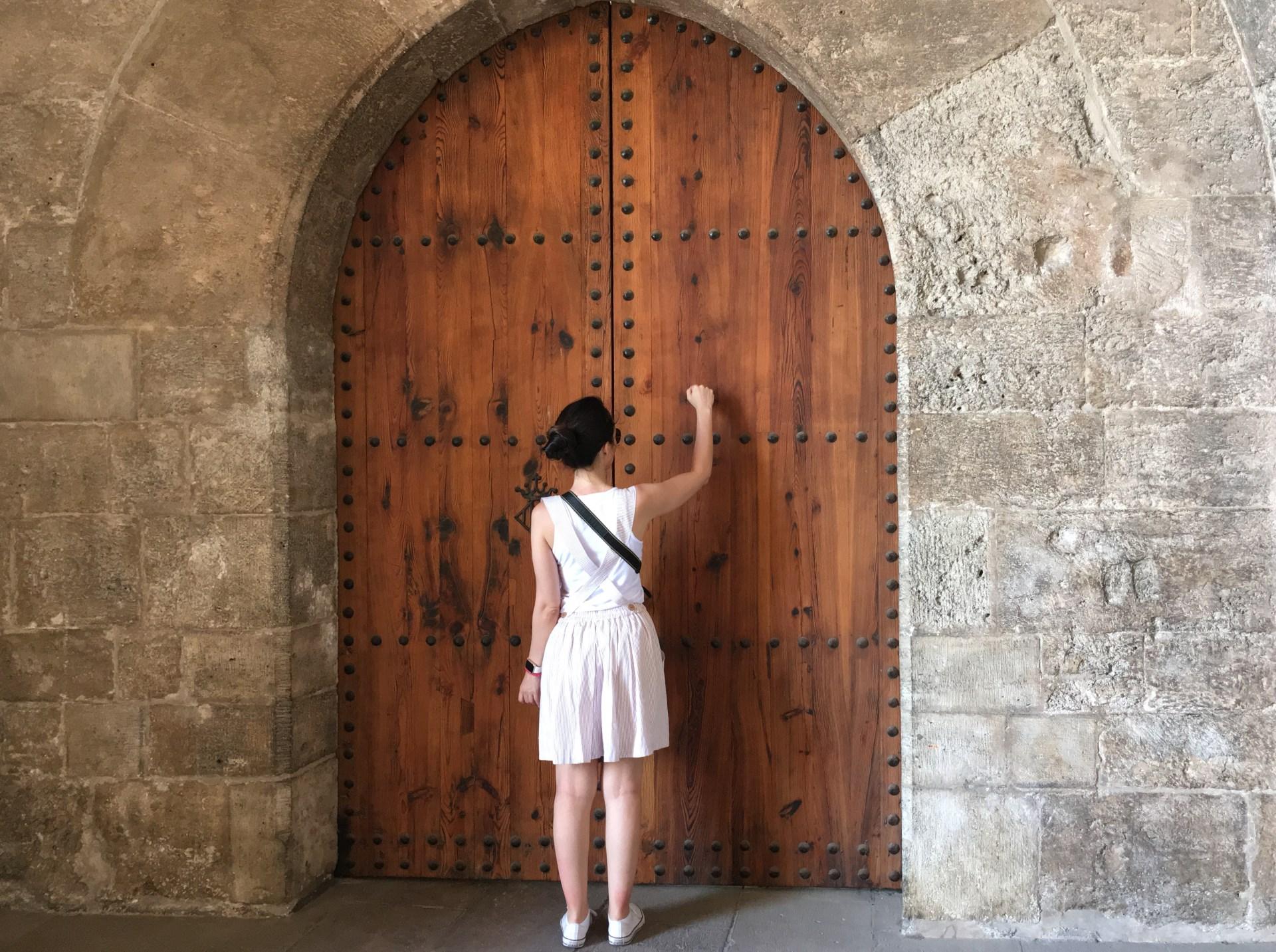 torres de quart pi llamando a la puerta