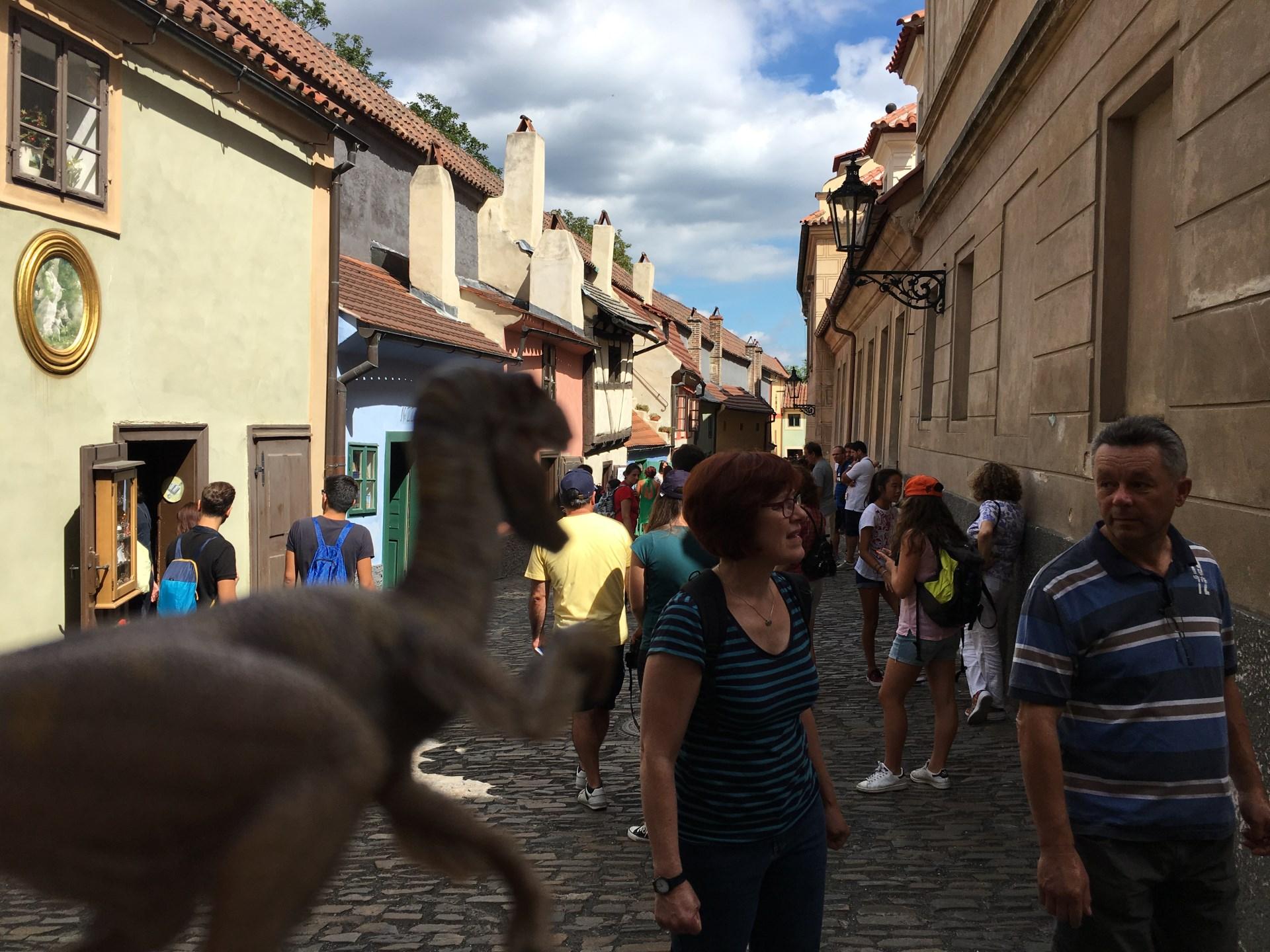 VelociraptorAttack en el Golden Lane de Praga
