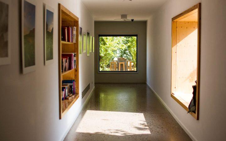 Hotel Aire de Bardenas - pasillo lectura