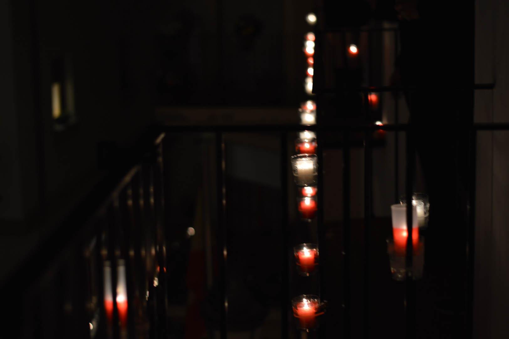 Balcones iluminados en Utiel