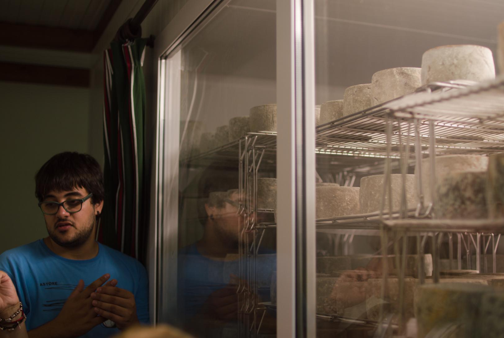 Cómo curan quesos en Queseria Kortariko Gasna