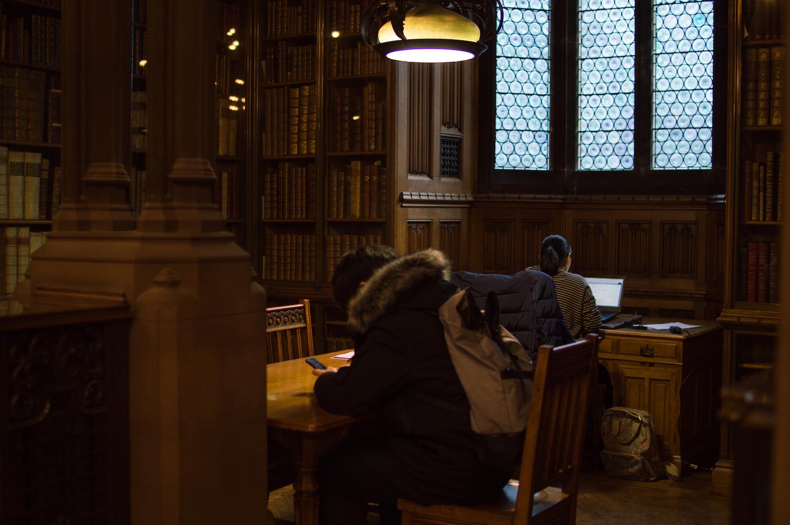 Biblioteca John Rynald